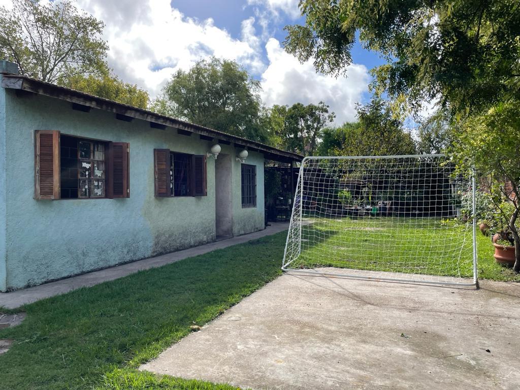 Foto Casa en Venta en  Carrasco ,  Montevideo  Dos casas en una