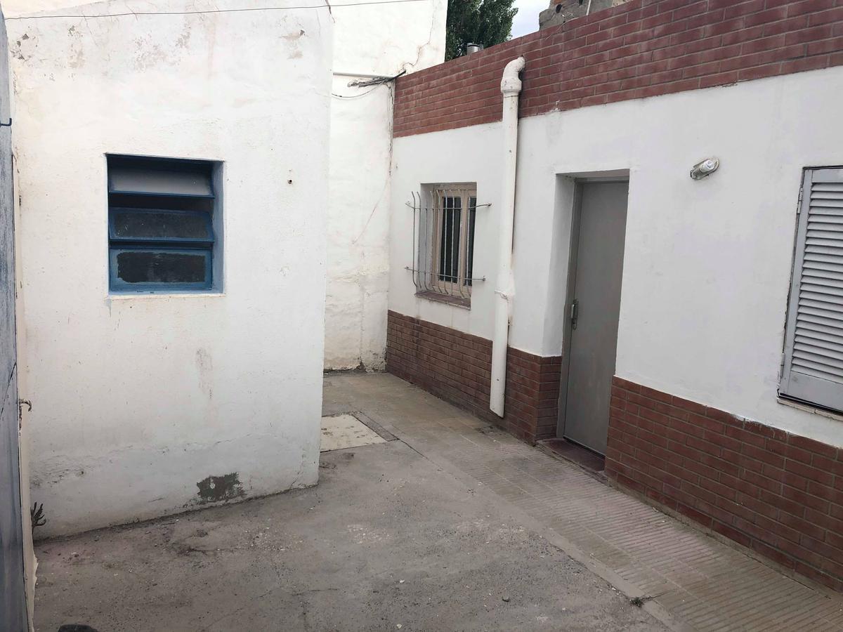 Foto Casa en Venta en  Santa Genoveva ,  Capital  San Juan al 1300