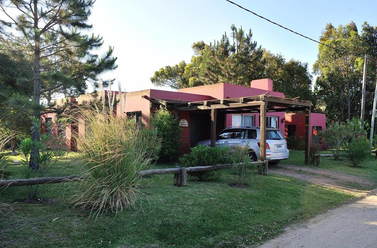 Foto Casa en Alquiler temporario en  Paternal ,  Capital Federal  avellaneda al 4500