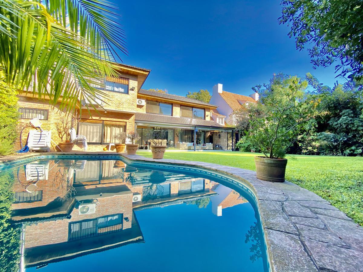 Foto Casa en Alquiler en  Martinez,  San Isidro  Balcarce al 2300