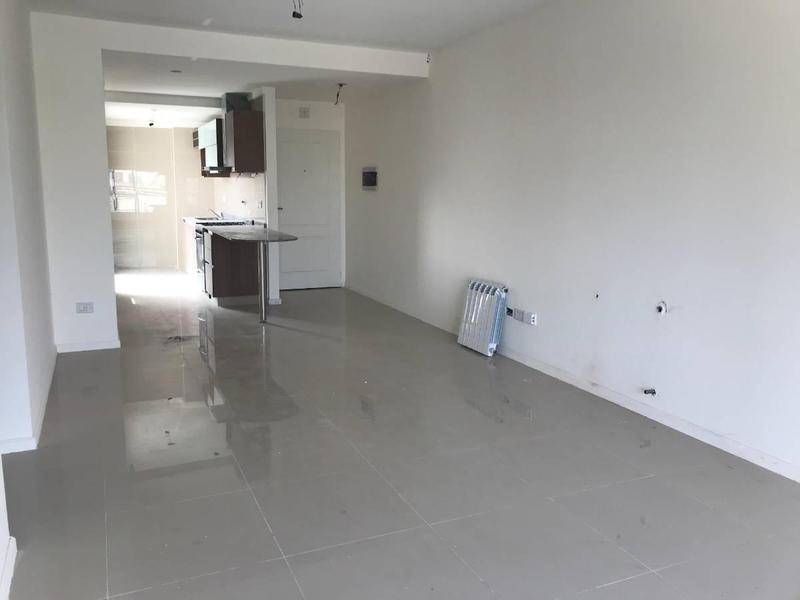 Foto Departamento en Venta en  Almagro ,  Capital Federal  Castro Barros 242 12 ºA
