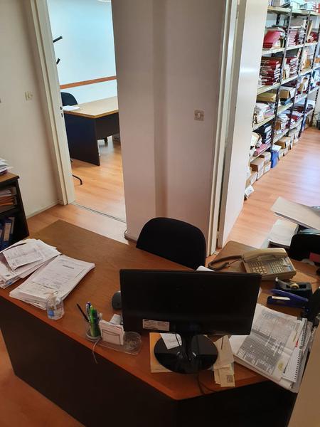 Foto Oficina en Alquiler en  Microcentro,  Centro (Capital Federal)  Excelente OFICINA 4 despachos - Av Córdoba al 800