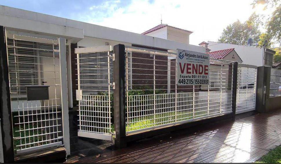 Foto Casa en Venta en  Alberdi,  Rosario  Washington 554 - Casa 3 Dormitorios en Alberdi Increíble Estado