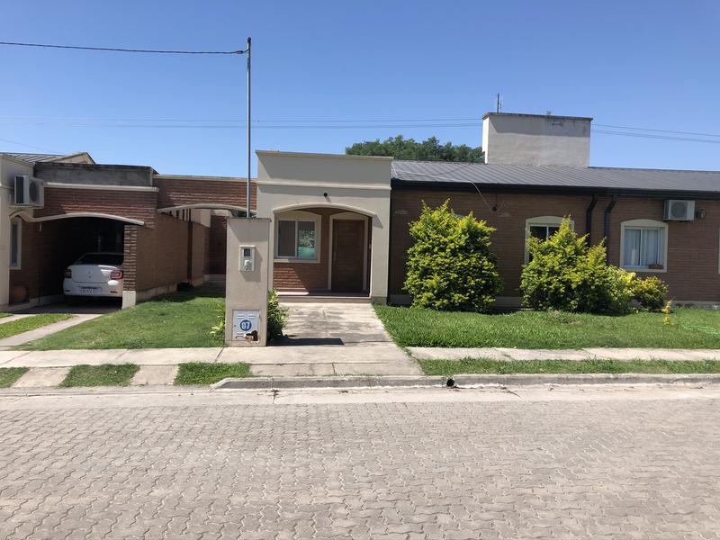 Foto Casa en Venta en  Yerba Buena ,  Tucumán  Chacho Peñaloza y Catamarca