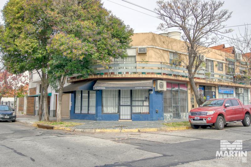 Foto Local en Venta en  Mart.-Santa Fe/Fleming,  Martinez  JUNCAL al 200