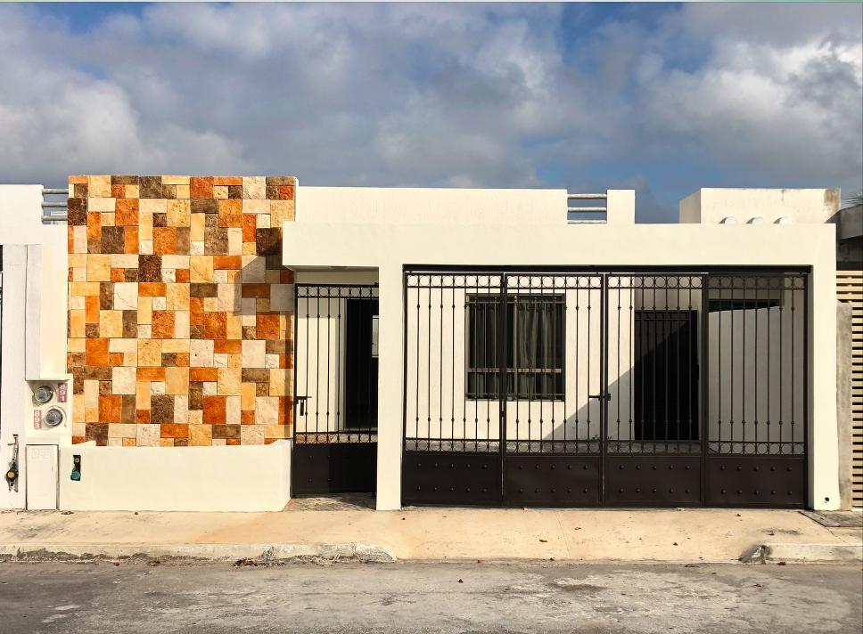 Foto Casa en Renta en  Fraccionamiento Las Américas,  Mérida  Casa en renta en Merida, las Américas con reja al frente, una sola planta