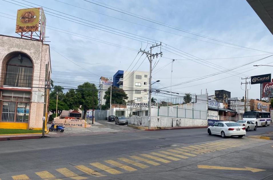Foto Terreno en Renta en  ChipitlAn,  Cuernavaca  Renta Terreno Esquina Av. Morelos