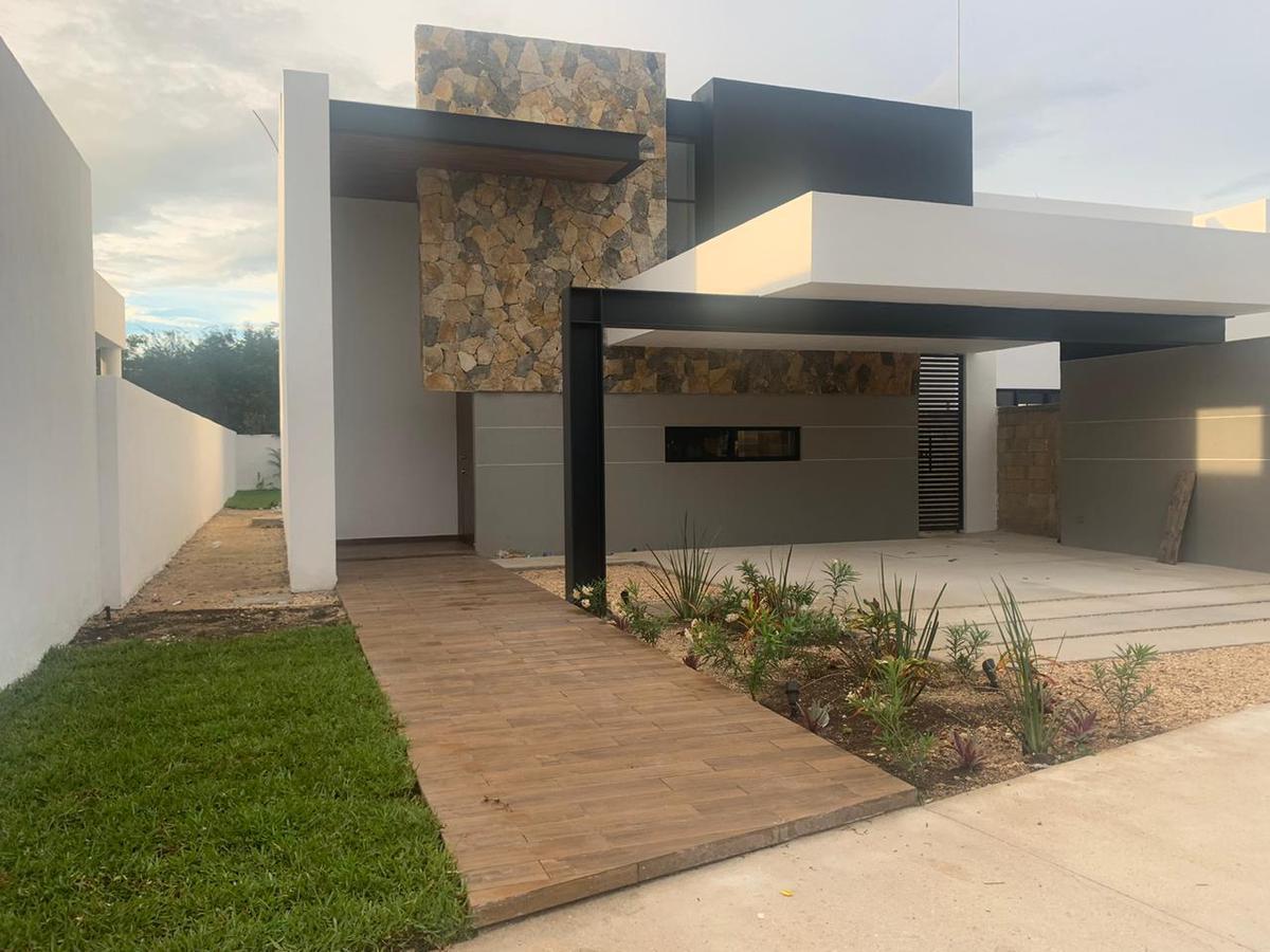 Foto Casa en Venta en  Pueblo Cholul,  Mérida  Casa en venta en Cholul, Merida, En privada con amenidades