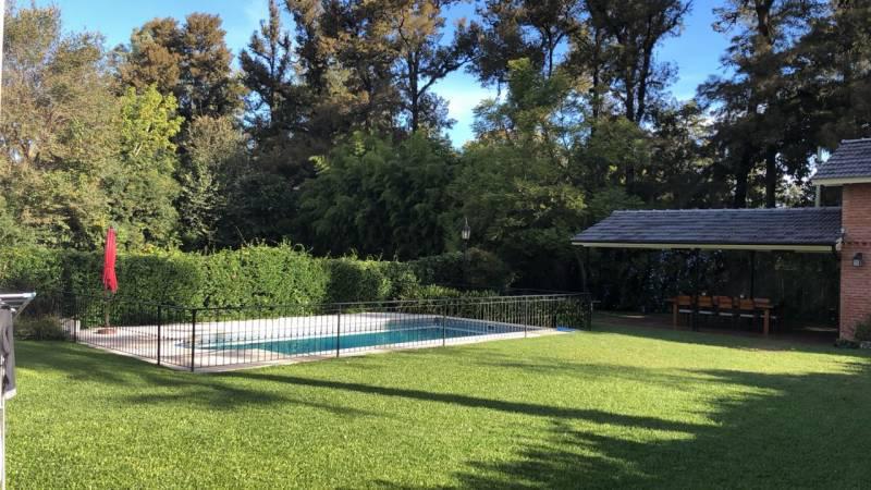 Foto Casa en Venta en  Bella Vista,  San Miguel  Quirno  2500