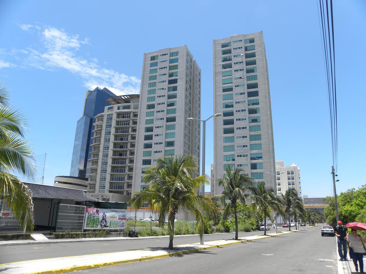 Foto Departamento en Renta    en  De las Américas,  Boca del Río  Torre Boca Towers, Fracc. De Las Américas, Boca del Rio, Ver. -- Departamento AMUEBLADO en renta