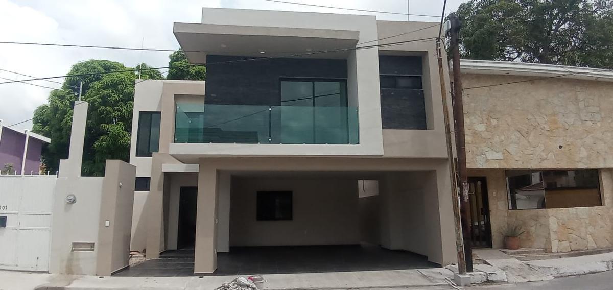 Foto Casa en Venta en  Smith,  Tampico  Preciosa casa con acabados de lujos en excelente ubicación en zona de alta plusvalía.