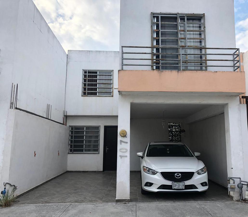 Foto Casa en Venta |  en  Renaceres Residencial,  Apodaca  Renaceres Residencial