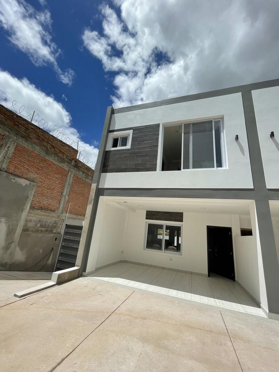 Foto Casa en condominio en Venta en  Lomas del Guijarro,  Tegucigalpa  Residencias Alcazar 2 hab/2.5baños