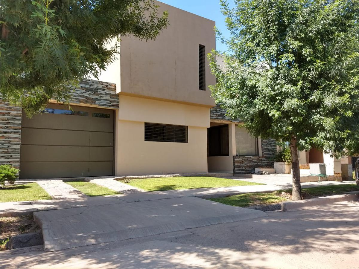 Foto Casa en Venta en  Guaymallen ,  Mendoza  Urquiza 1460