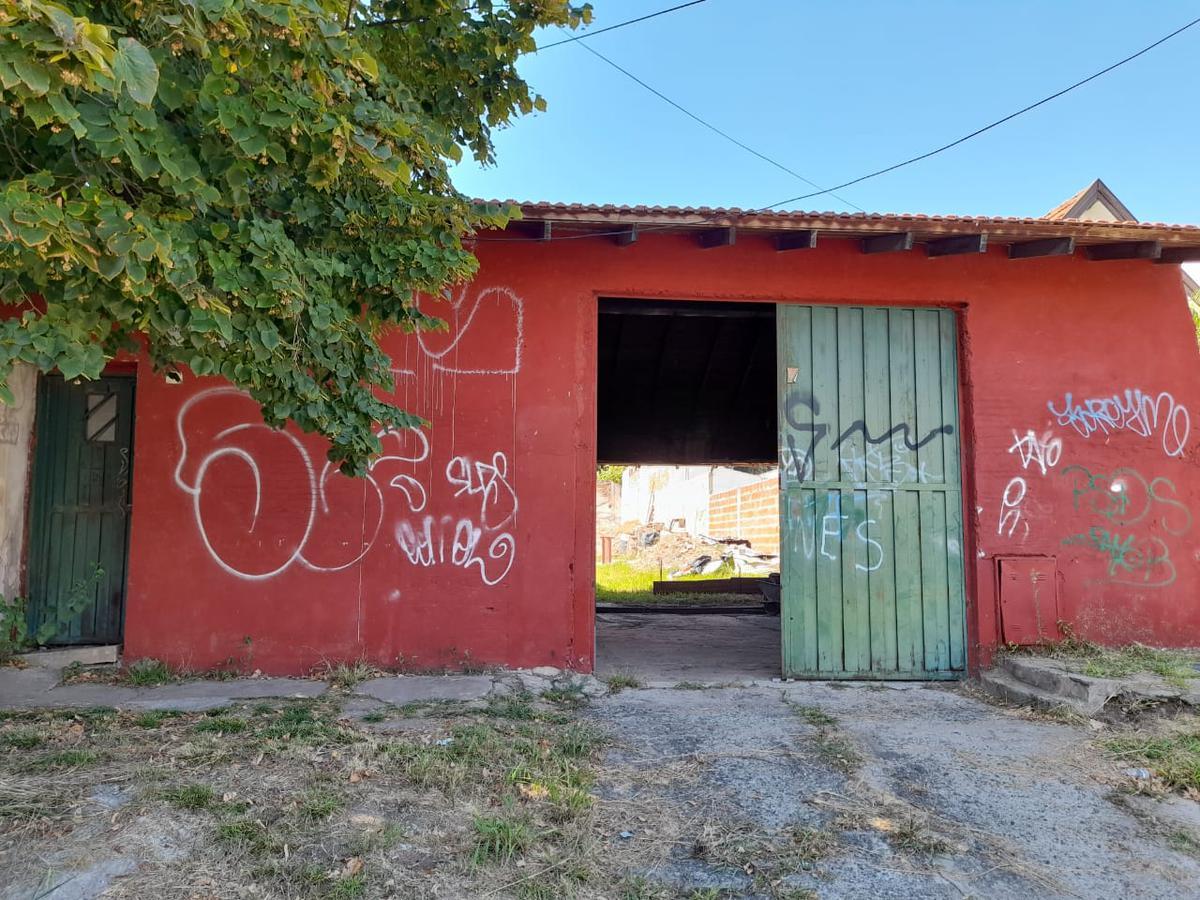 Foto Terreno en Venta en  Turdera,  Lomas De Zamora  San Luis N° al 1300