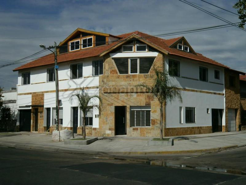 Foto Departamento en Venta en  Lomas De Zamora,  Lomas De Zamora  Francisco Portela 2300