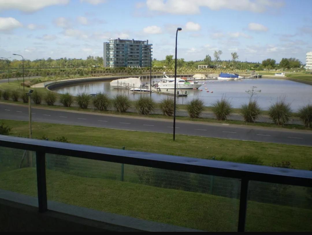 Foto Departamento en Venta en  Nordelta,  Countries/B.Cerrado (Tigre)  Venta 3 amb. con dpcia. amplia vista al lago - Espigón Trece - Nordelta, Tigre