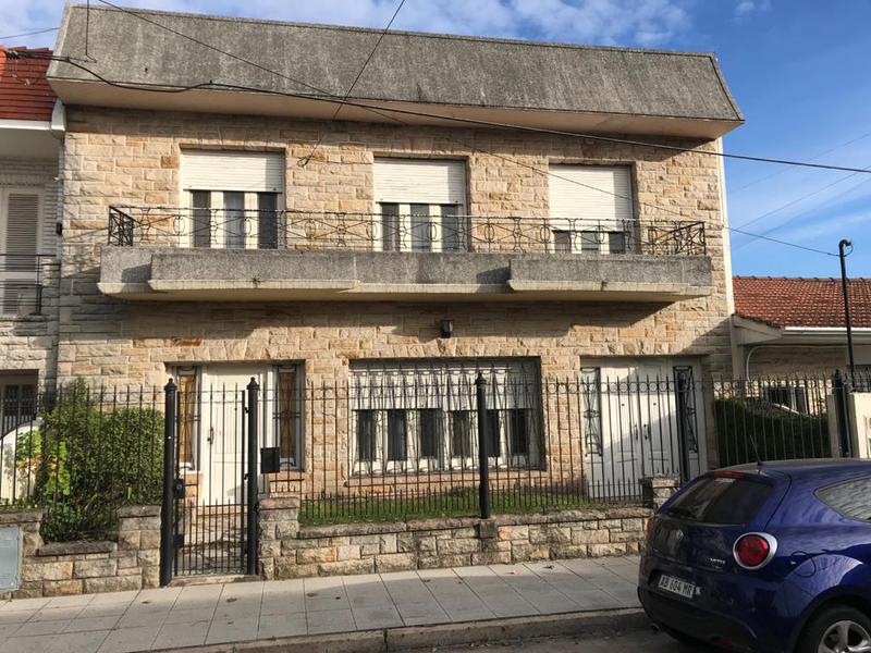 Foto Casa en Venta en  Lomas de Zamora Este,  Lomas De Zamora  PJE. INT. FONDA 532  e. Matheu y Alberti