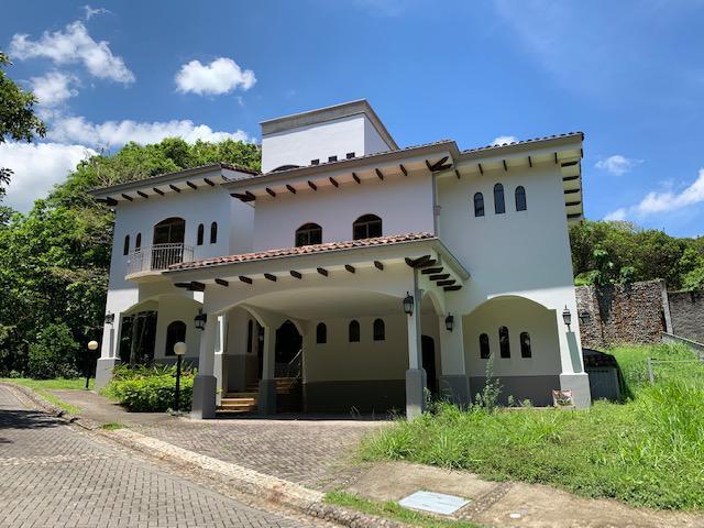 Foto Casa en condominio en Venta en  Brasil,  Santa Ana  Brasil de Santa Ana/ Naturaleza/ 4 parqueos/ 425m2 de construcción