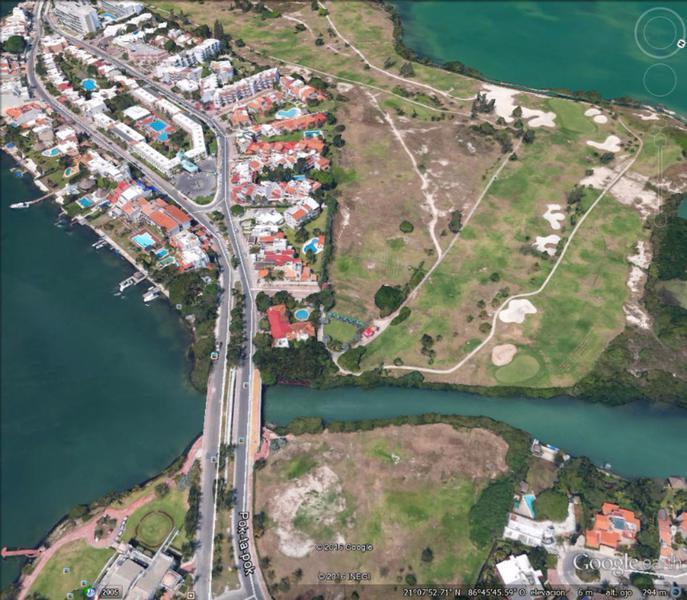Foto Terreno en Venta en  Cancún Centro,  Cancún  Venta de Terreno Condominal en Campo de Golf con Canal de Navegación y Vista a la Laguna