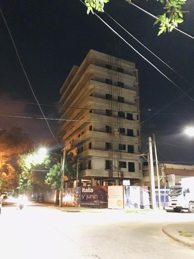 Foto Cochera en Venta en  San Miguel De Tucumán,  Capital  italia y junin ,zona norte