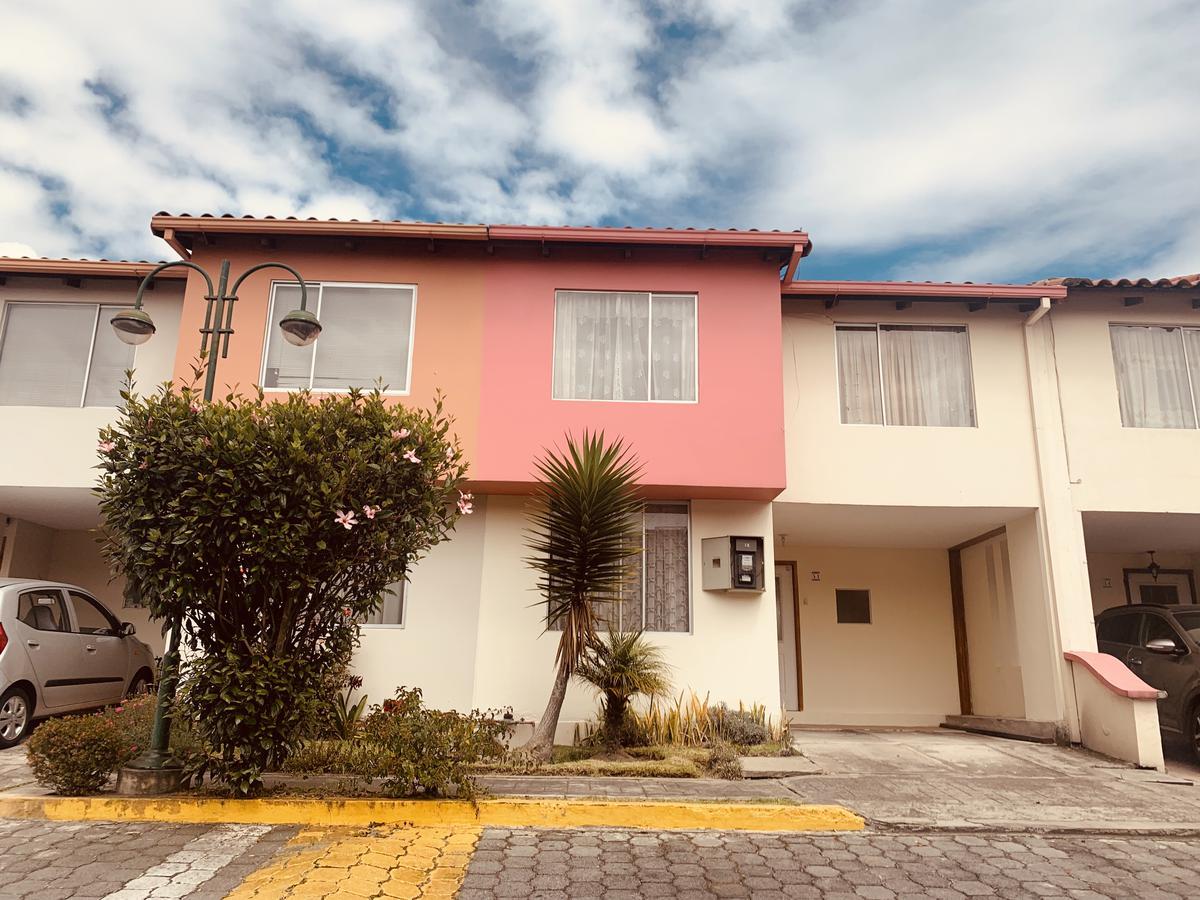 Foto Casa en Alquiler en  San Carlos,  Quito          San Carlos