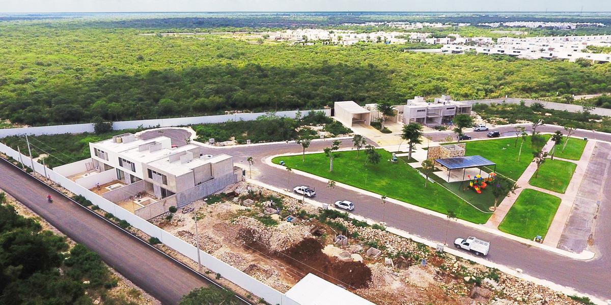 Foto Terreno en Venta en  Pueblo Cholul,  Mérida  Lunare. Construye tu futuro en Lotes Premium, en una de las zonas de mayor plusvalía al norte de Mérida, Yuc., Méx.