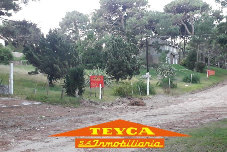 Foto Terreno en Venta en  Lasalle,  Pinamar  Argos 2924 E/ Calandria y Chingolo