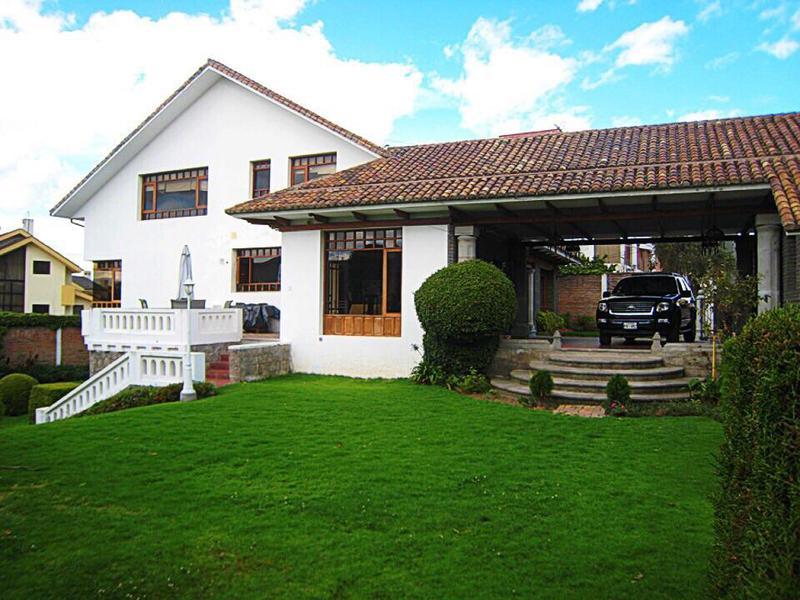Foto Casa en Venta | Alquiler en  Norte de Quito,  Quito  El Bosque