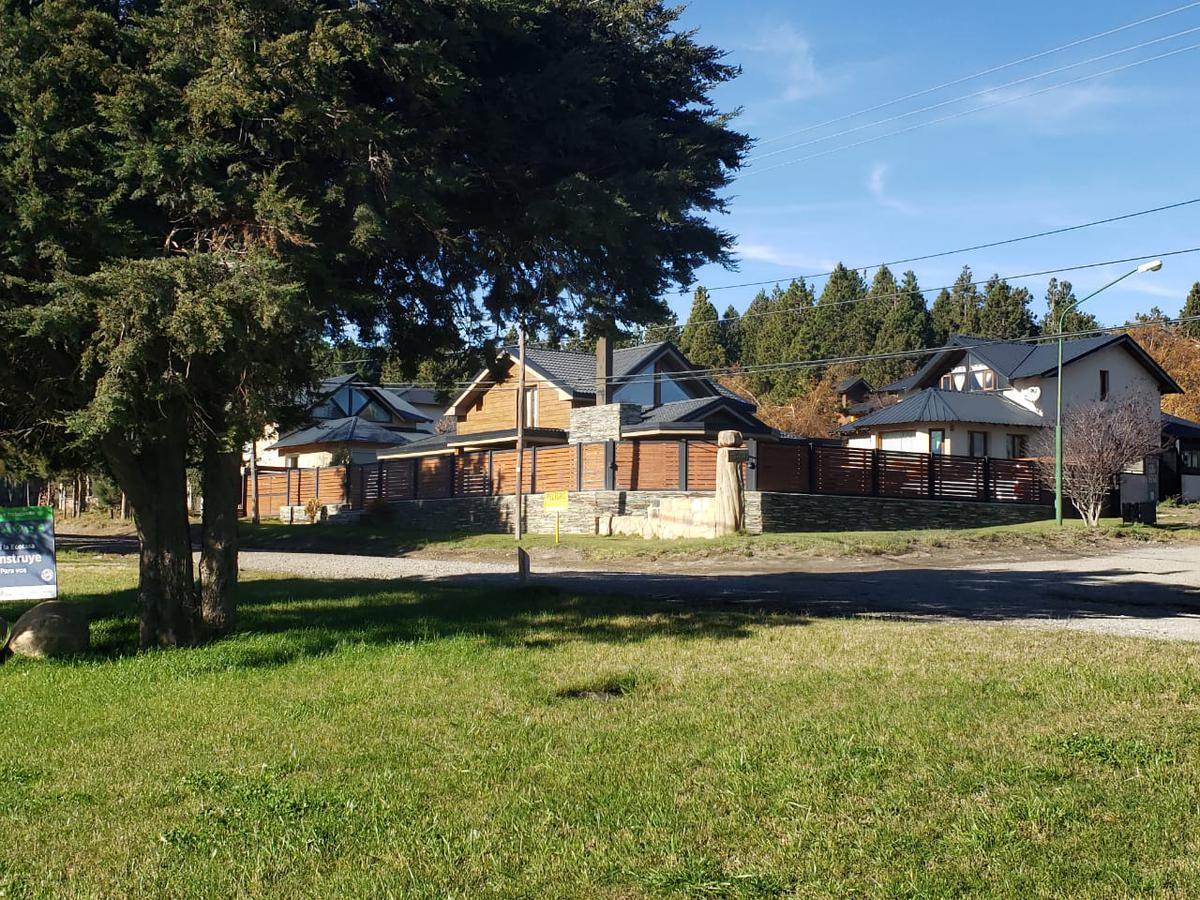 Foto Casa en Venta en  Aldea del Este,  San Carlos De Bariloche  Luis Piedra Buena y Quem Quem Treu
