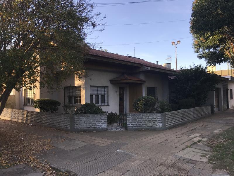 Foto Casa en Venta en  Temperley Este,  Temperley  JUNCAL 402