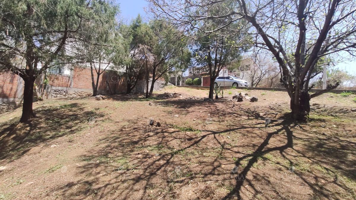 Foto Terreno en Venta en  Fraccionamiento Lomas del Sol,  Cuernavaca  VENTA TERRENO EN FRACCIONAMIENTO CON SEGURIDAD - T31