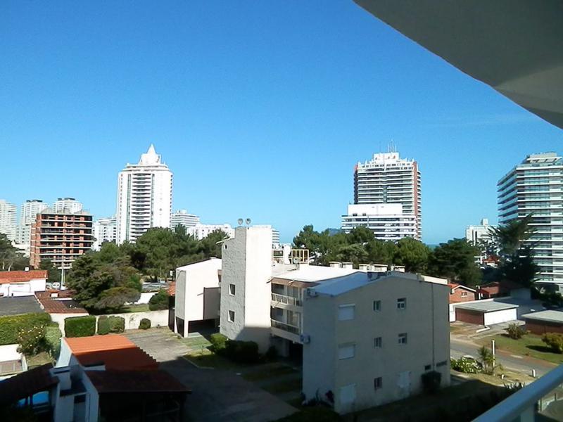 Foto Apartamento en Alquiler temporario en  Aidy Grill,  Punta del Este  Edificio Botavara.