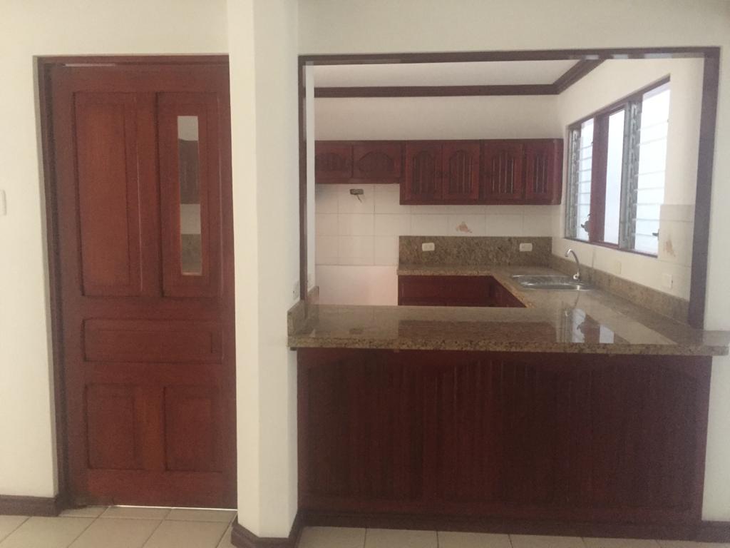 Foto Oficina en Venta en  Pavas,  San José  Uso de suelo mixto / Por AID / Ideal para oficina