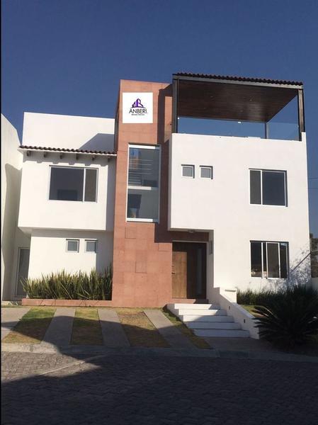 Foto Casa en condominio en Venta |  en  Los Olvera,  Corregidora  Los Olvera