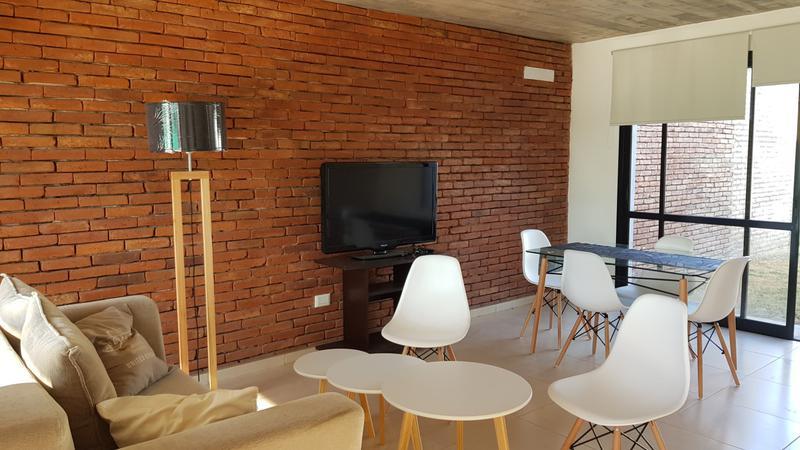 Foto Casa en Venta en  Claros del Bosque,  Countries/B.Cerrado (Cordoba)  DUPLEX  Claros del Bosque - 2 dorm, 2 bños, Pileta c/ Renta $ 32000!
