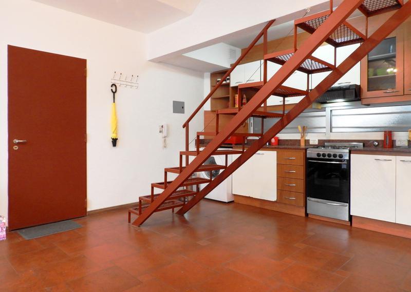 Foto PH en Alquiler temporario en  Villa Crespo ,  Capital Federal  Castillo al 600