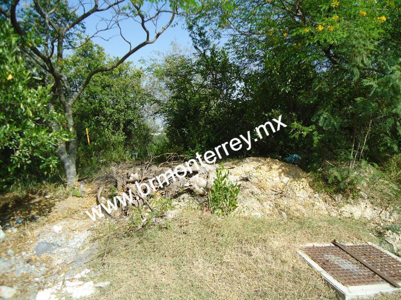 Foto Terreno en Venta en  Portal del Huajuco,  Monterrey  TERRENO EN VENTA PORTAL DEL HUAJUCO 1293.58M2  $11,200,000