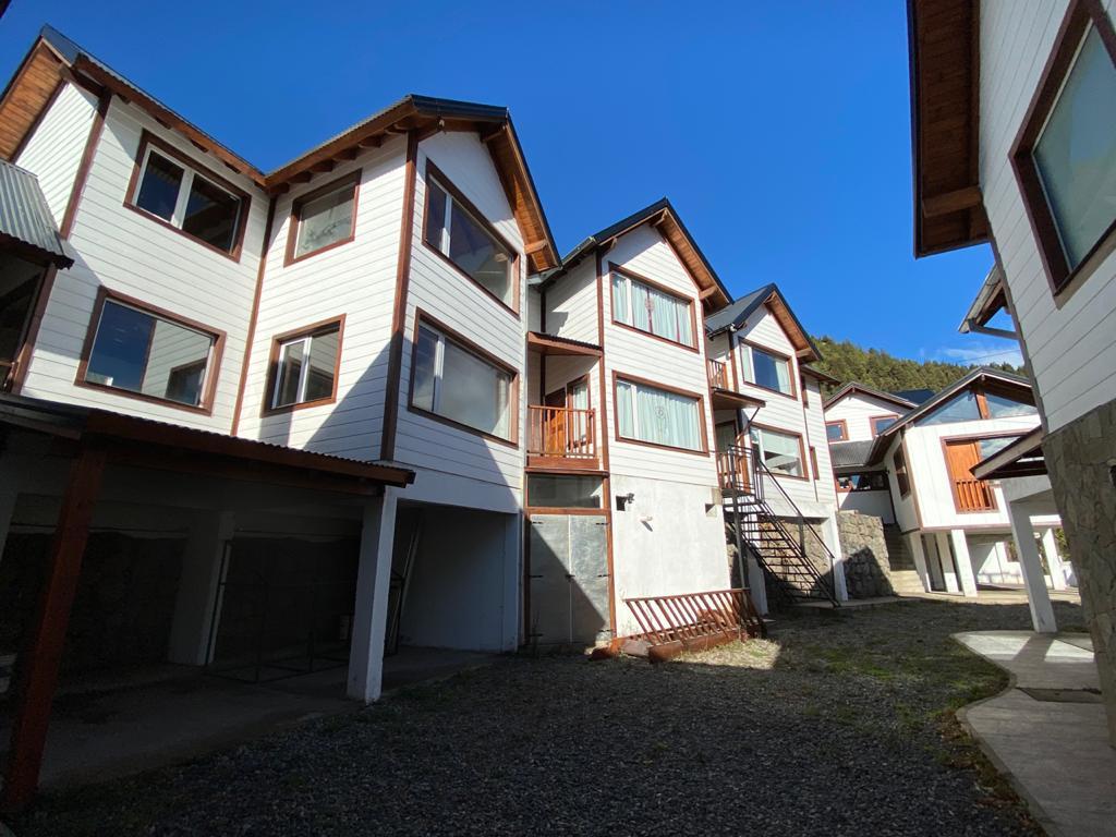 Foto Casa en Venta en  San Martin De Los Andes,  Lacar  Félix Amador 100, San Martín de los Andes