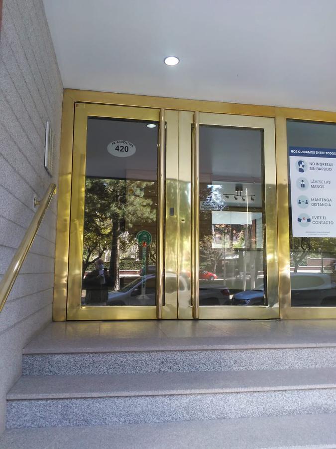 Foto Departamento en Venta en  Capital ,  Neuquen  Av Argentina esquina 9 de Julio. Departamento en Venta