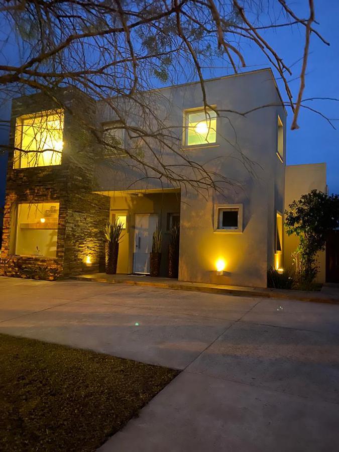 Foto Casa en Alquiler temporario en  Santa Catalina,  Villanueva  Alquiler temporario de casa en dos plantas, 3 habitaciones mas dep. servicio. Santa Catalina, Villanueva