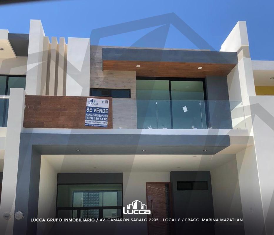 Foto Casa en Venta en  Mazatlán ,  Sinaloa  COTO  15 FRENTE ALBERCA 3 RECAMARAS