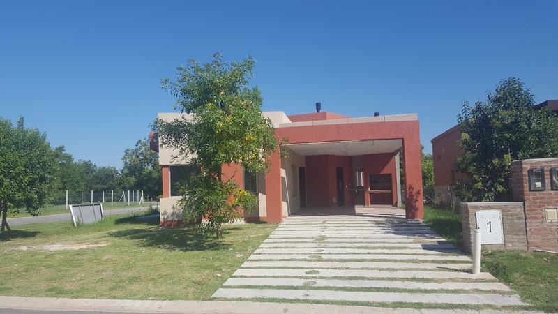 Foto Casa en Venta en  Adrogue,  Almirante Brown  Brisas de Adrogue. B° Privado.