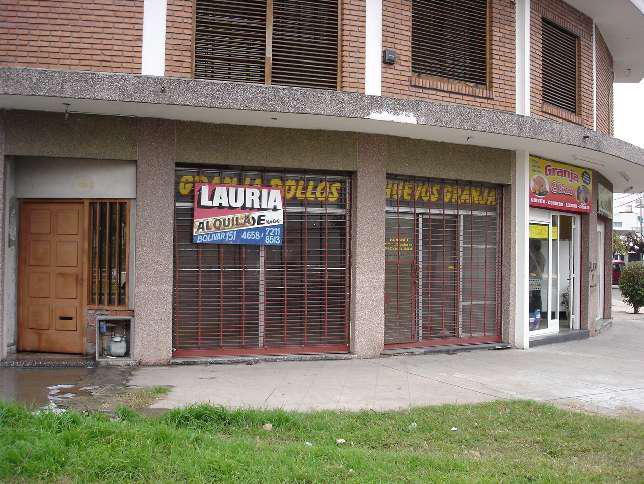 Foto Local en Alquiler en  Ramos Mejia,  La Matanza  Cnel. J. Pringles al 2100