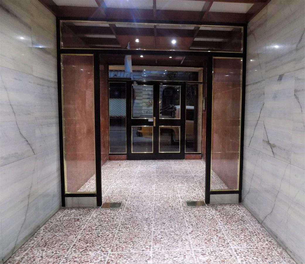 Foto Departamento en Alquiler temporario | Venta en  Balvanera ,  Capital Federal  Tte. Gral. J. Domingo Perón al 1900