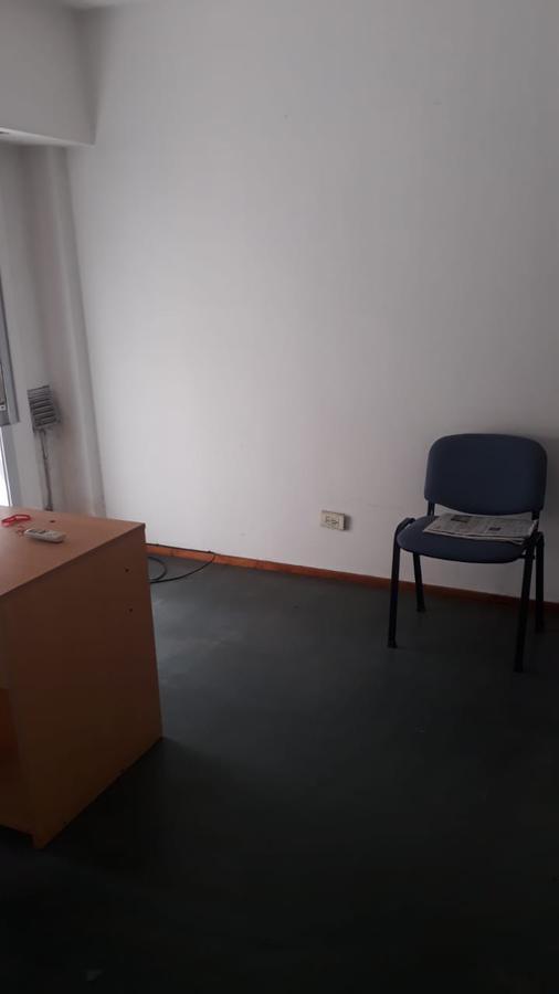 Foto Oficina en Alquiler en  Avellaneda ,  G.B.A. Zona Sur  San Martin 981, Piso 1º, Oficina D
