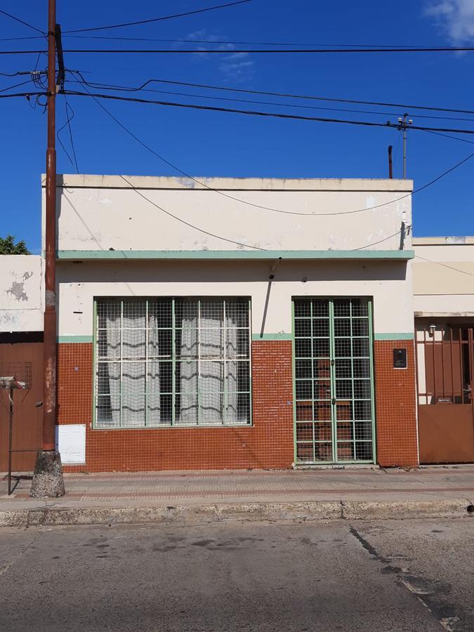 Foto Local en Alquiler en  Concordia,  Concordia  P. del Castillo al 1000