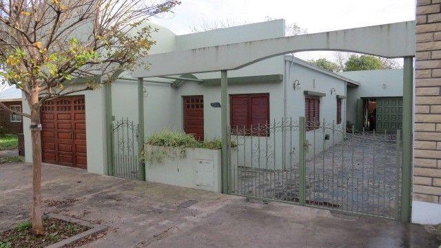 Foto Casa en Venta en  La Plata ,  G.B.A. Zona Sur  13 y 607
