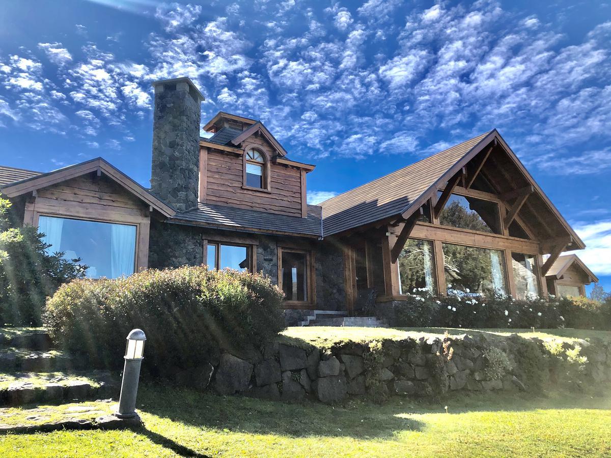 Foto Casa en Venta |  en  Arelauquen,  Bariloche  Sector Montaña