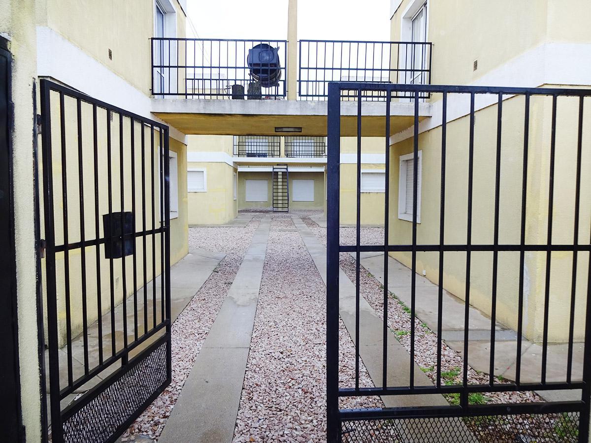 Foto Departamento en Alquiler en  General Pico,  Maraco  4 e/ 5 y 3